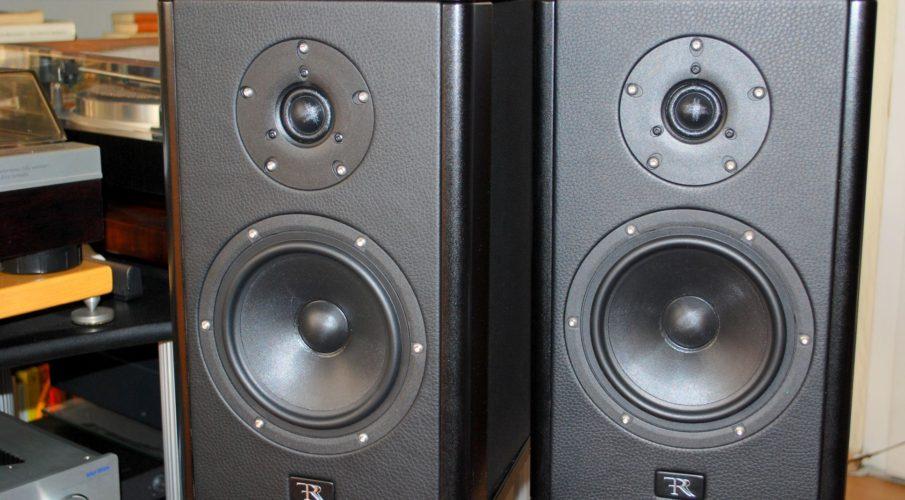 Rosso Fiorentino Giglio állványos hangsugárzó