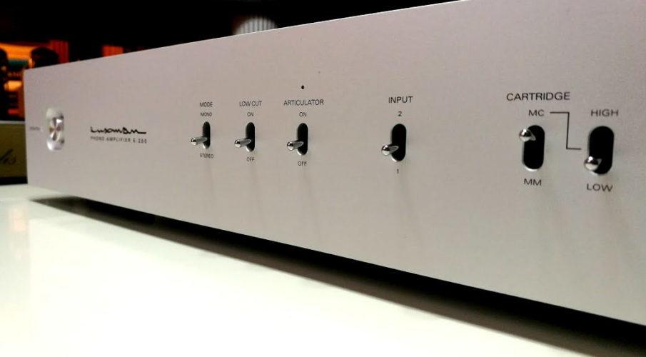 Luxman E-250 lemezjátszó előerősítő